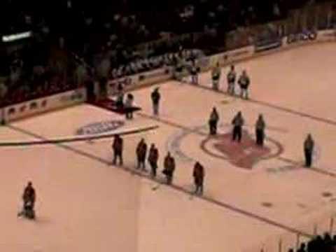 National Hymne der USA beim NHL Spiel