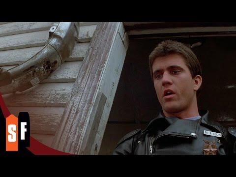 Mad Max (1/2) Explosive Crash - Mel Gibson HD