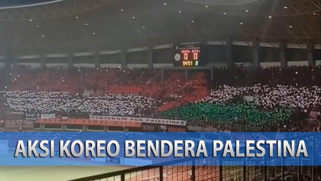 Keren Aksi Koreo Suporter Persija Jakarta Membentuk Bendera Palestina