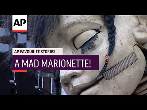 French mechanical doll delights crowds in capital