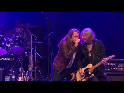 BUCKETS REBEL HEART 20 GOOD SUMMERS - LIVE @ SWEDEN ROCK FESTIVAL 2018