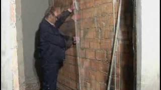 Выравнивание стен(Видео выравнивание стен своими руками. Как правильно выровнять стены. Больше информации про то, как выравни..., 2009-11-07T11:38:22.000Z)