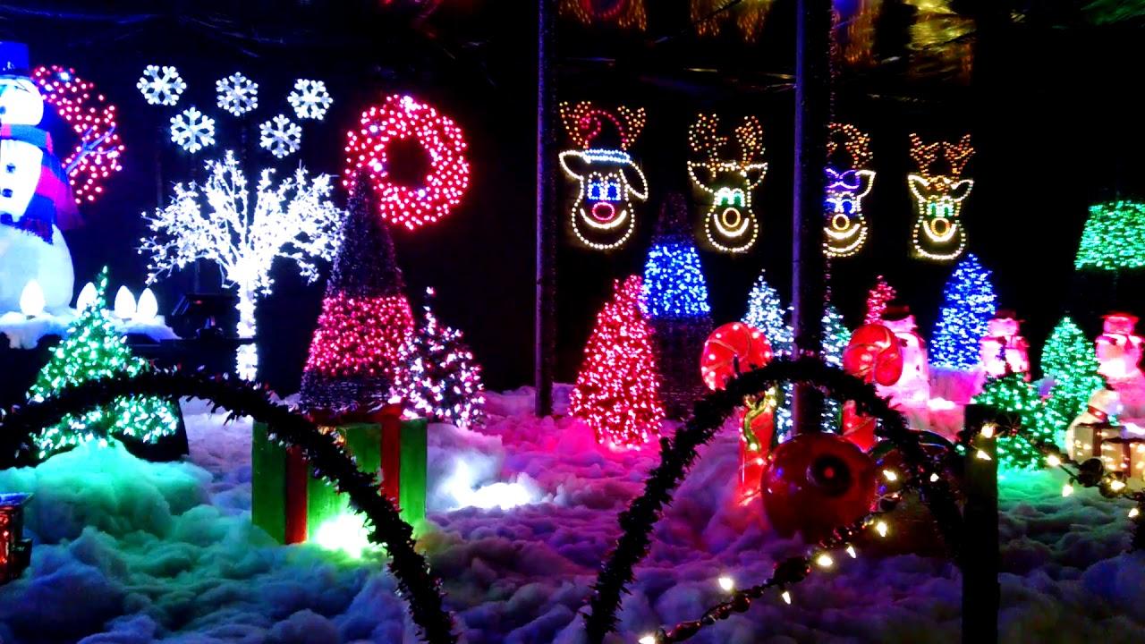 A Christmas Light Show At The Garden Factory In Gates Chili Rochester Ny It 39 S Christmas Time