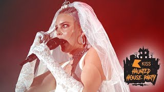 Anne Marie - Friends (Live At The KISS Haunted House Party 2018)