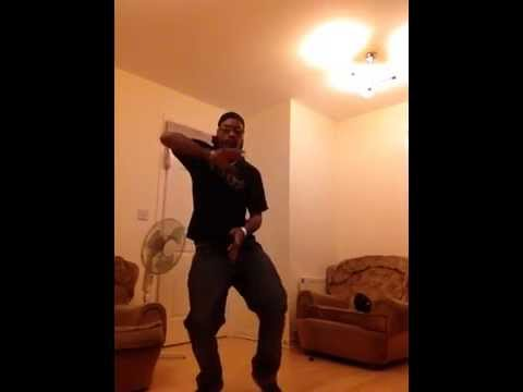 Dreddmarc dancing to Chronixx - Beat & A Mic freestyle 2014