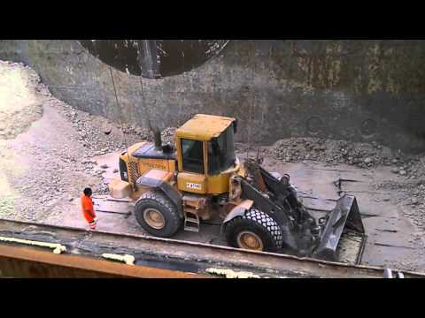 Boarding a bulldozer in a bulk carrier hold for discharging operations