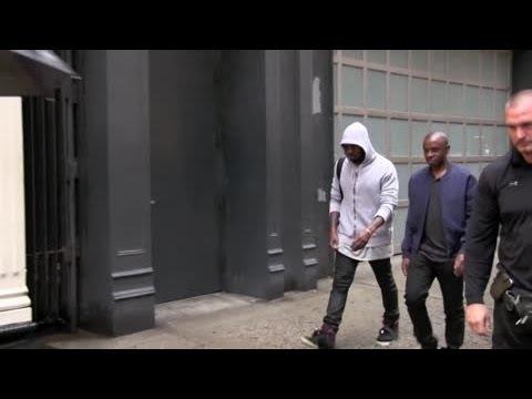 Kanye West Snaps at Photographer While in New York | Splash News TV | Splash News TV