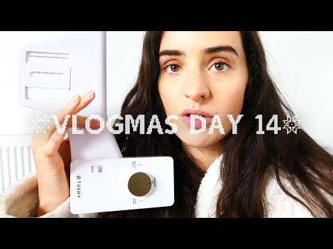 THE BEST WAY TO WASH YOUR BUM!   VLOGMAS DAY #14