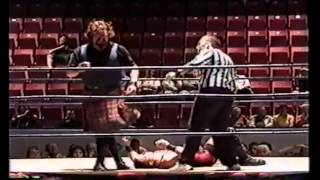 Custom Made Man vs Duke MacIsaac - RAW -  September 25th 2001