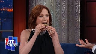 Watch A Pregnant Ellie Kemper Eat A Huge Sardine