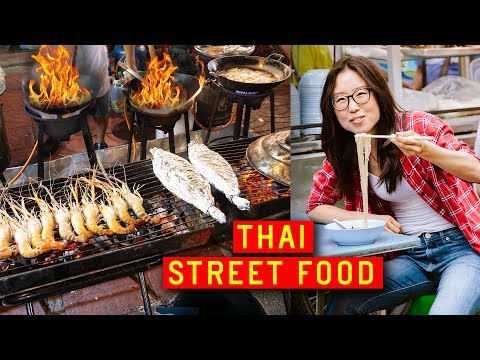 THAI STREET FOOD in Bangkok ♦ Chinatown on Yaowarat