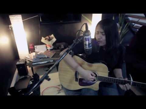 Tak Lagi Galau - Riska Afrilia (Indonesian Idol Cover)