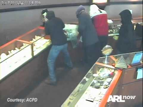 Robbery at the Zales jewelry store at Pentagon City mall