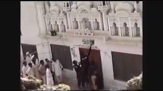 ISLAMIC CREED (KALIMA) BEING ERASED FROM AHMADIYYA MOSQUE (AHMADIYYA PERSECUTION)