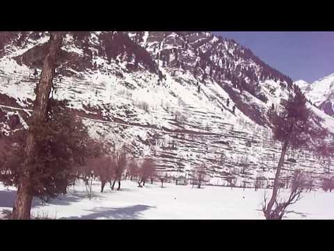 BETAAB VALLEY FRESH SNOWFALL NEAR PAHALGAM(JAMMU & KASHMIR) PAHALGAM, ANANTNAAG DISTRICT INDIA