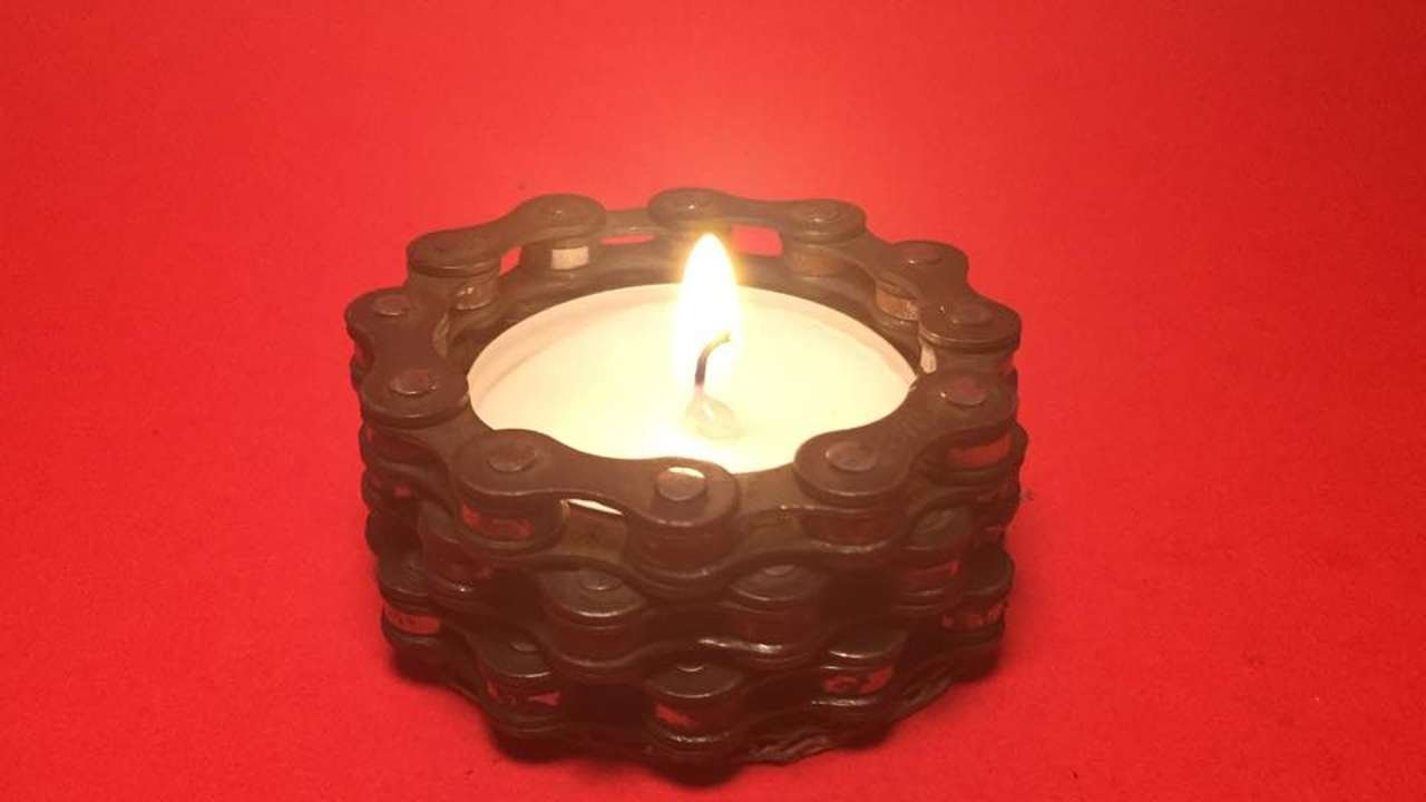 How to make a cool bicycle chain candle holder diy home for Cardboard candle holders