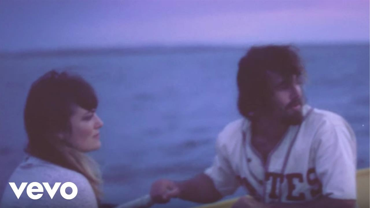 angus-julia-stone-from-the-stalls-angusjuliastonevevo