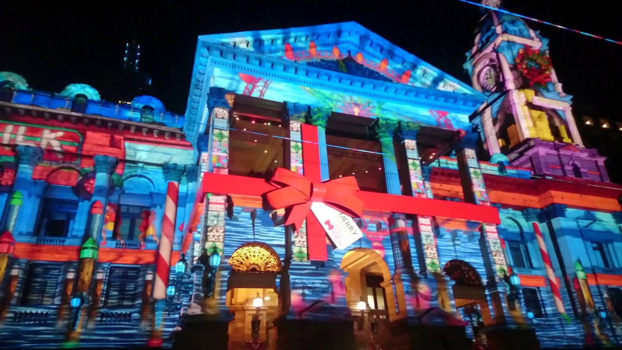 Amazing Christmas Projection Mapping