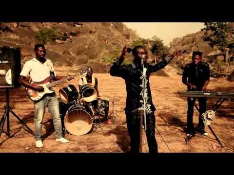 Download In ka bar ni by Emma Ndam (Hausa Gospel music)