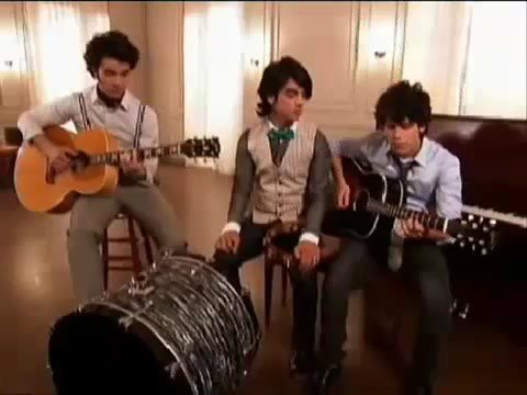 Love Bug (Acoustic Music Video) - The Jonas Brothers