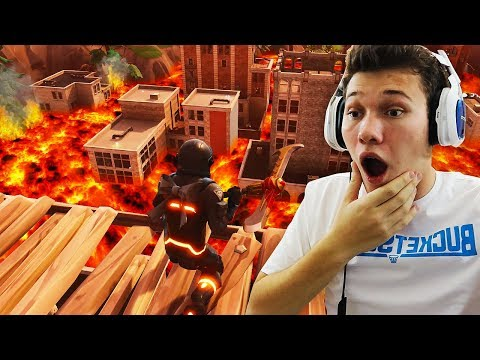 FLOOR IS LAVA CHALLENGE IN TILTED TOWERS! (INTENSE) Fortnite Battle Royale