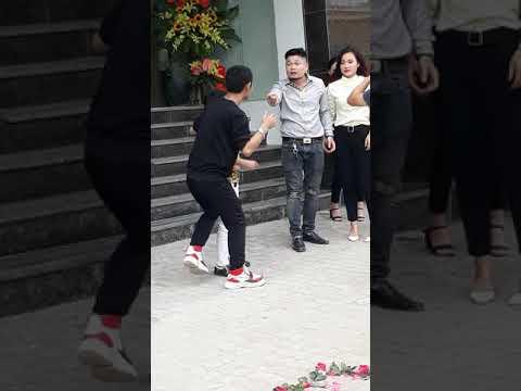 Cu Thóc đóng phim hài cùng Phú Lê cực hót (4:13 )