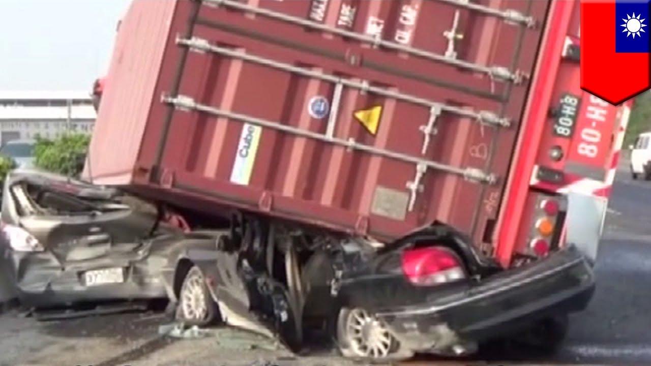 Crash on dashcam dashcam catches terrifying moment semi truck crashes into small sedan tomonews