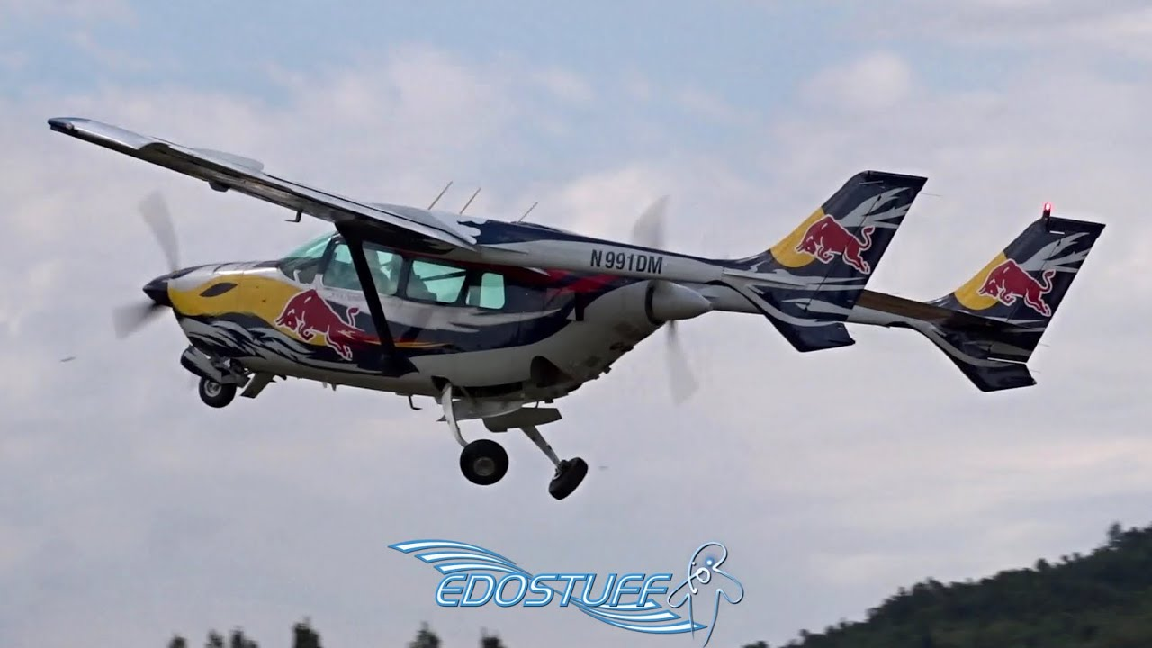 Flying Bulls - Cessna 337D Super Skymaster - Display with Cockpit View -  Piket Airfield LDSS Sinj HD