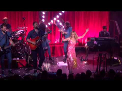 Kylie Minogue - &39;Islands In the Stream&39; Dolly Parton cover - Bowery Ballroom - NYC - 62518