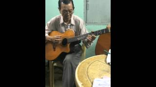 Master Guitar in Phan Xich Long District- Thầy Xuân Guitar