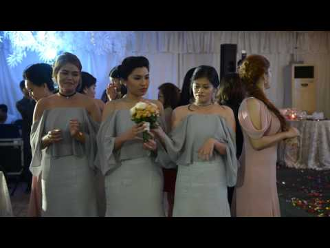 Jaybee & Auvrey's wedding - the bridal bouquet game