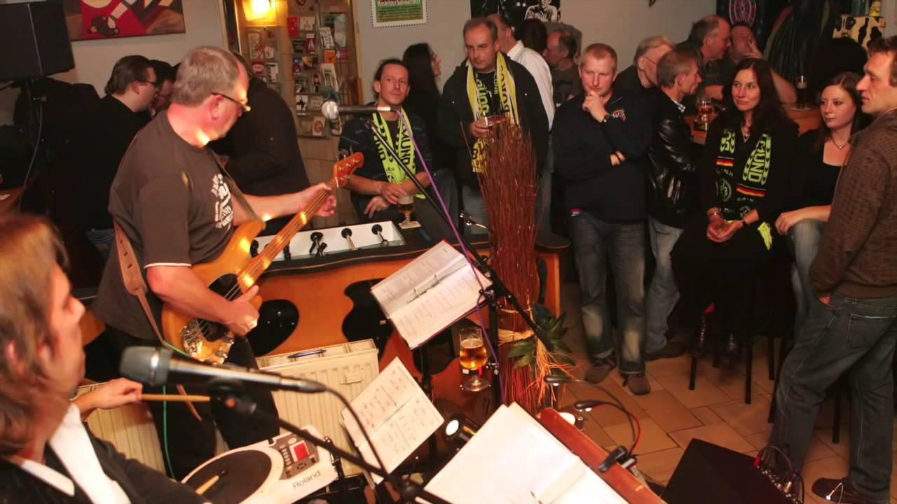 """Wohnzimmerband """"Dortmund holt die Meisterschaft"""""""