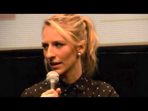 Mickey Sumner - FRANCES HA - YouTube