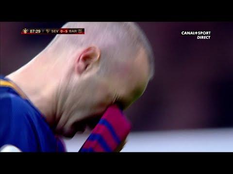 Sortie d'Iniesta, le stade est debout ! thumbnail