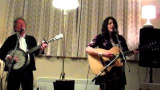 Jess Vincent and Reg Meuross - God May Forgive You ( But I Won