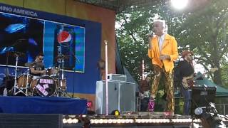 Neon Trees - Lessons In Love (live on Good Morning America)