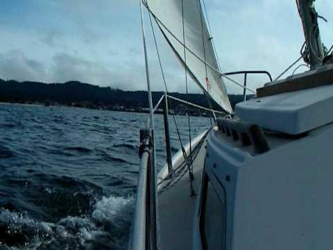 Sailing. Catalina 22 PORT BEAM REACH FUN