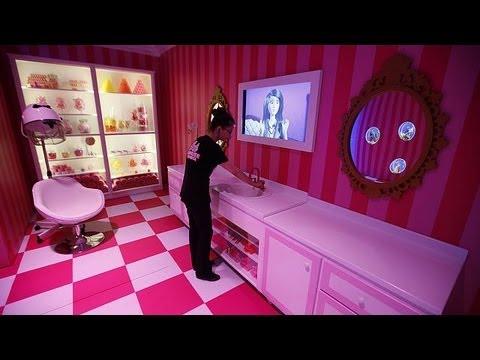Barbie abre as portas de casa from YouTube · Duration:  1 minutes 56 seconds