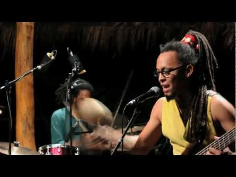 Colectro - Alza los pies (Live session) Official Video