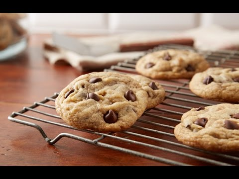 How to make soft chocolate chip cookies from scratch