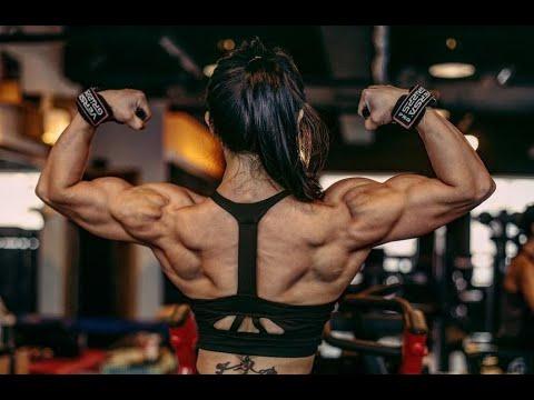 An Da Jeong asian female bodybuilder flex, posing and workout