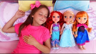 София и живые Куклы Принцессы, Веселая история на Детской Площадке
