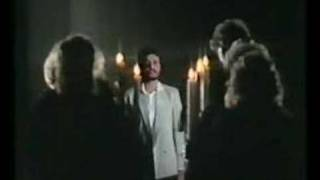 Watch David Essex Oh What A Circus video