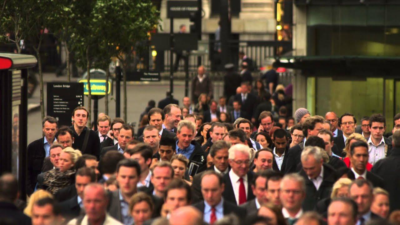 Busy Street Sidewalk LONDON: Busy sidewalk ...