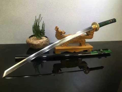 Samurai Tiger sword,katana(T10 high carbon steel blade,Solid wood Scabbard,Brass Tosogu)
