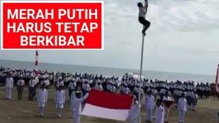 Download Video AKSI HEROIK ANAK SMP DI ATAMBUA SELAMATKAN APEL 17 AGUSTUS 2018 KARENA TALI BENDERA PUTUS. MP3 3GP MP4