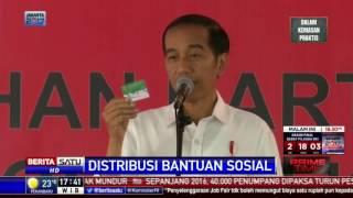 Jokowi Bagikan KIP, KIS, dan Kartu PKH di Bandung