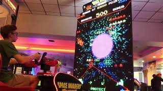 Winning TONS of jackpots on Space Invaders Frenzy!