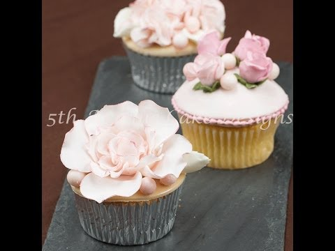 how-to-make-blooming-wedding-cupcake