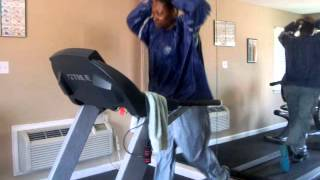 Jogging In A Sauna Suit/How To Loose Weight